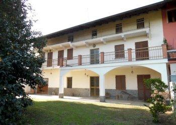 Foto 1 di Casa indipendente via Ivrea, Borgomasino