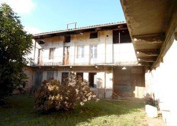 Foto 1 di Rustico via Giuseppe Garibaldi, San Giorgio Canavese