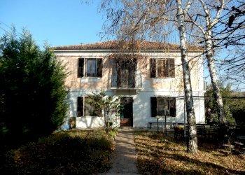 Foto 1 di Casa indipendente via Borgata Ferrua, Clavesana