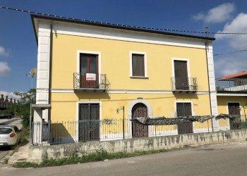 Foto 1 di Villa via Vagnara, San Salvatore Telesino