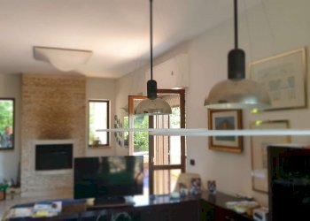 Foto 1 di Villa Bifamiliare Contrada Archi, Avellino