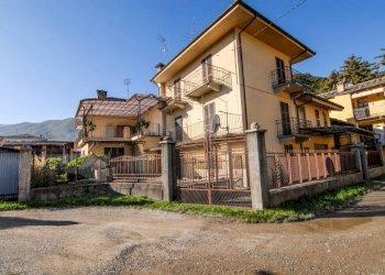 Foto 1 di Villa via Camillo Benso di Cavour, Luserna San Giovanni