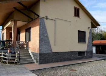 Foto 1 di Villa strada Provinciale del Sedime-Dir. per Rivarossa, San Carlo Canavese