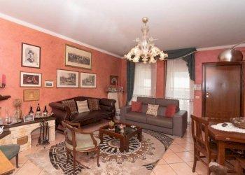 Foto 1 di Villa a Schiera via Guglielmo Marconi, Mappano