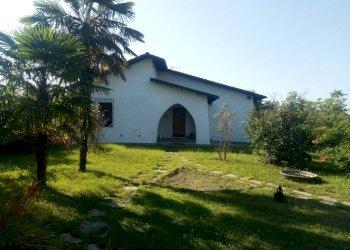 Foto 1 di Villa strada Provinciale di Sciolze-Dir. per Rivalba, frazione Vernone, Marentino