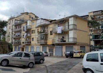 Foto 1 di Quadrilocale via Macedonia, Napoli