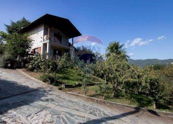 Foto 1 di Villa strada della berga, 70, Cumiana