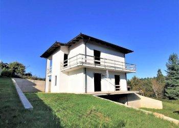 Foto 1 di Villa Località Piano, Sommariva Perno