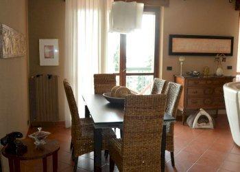 Foto 1 di Villa viale DEI CASTAGNI, Moncalieri