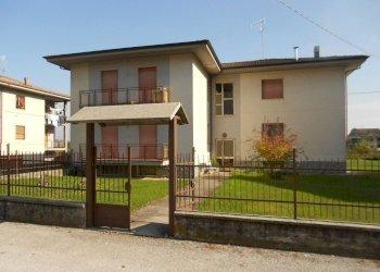 Foto 1 di Appartamento Via Monterosso, Valgrana