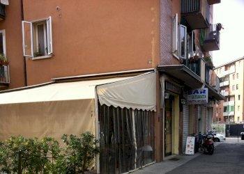 Foto 1 di Negozio via Lazio, Bologna