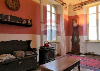Foto 1 di Appartamento via Caporal Cattaneo, 14, Favria