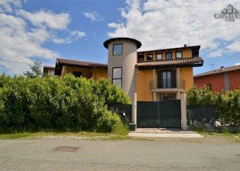Foto 1 di Villa via Provinciale, Colleretto Giacosa