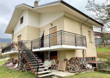 Foto 1 di Villa via Pianezze 36, Borgiallo