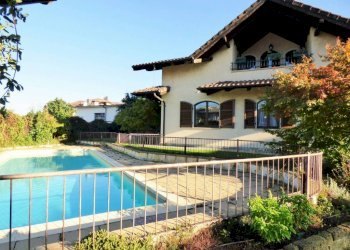 Beinette, meravigliosa villa con piscina in centro Via Martiri