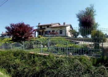 Foto 1 di Villa Via Duccio Galimberti, Alba