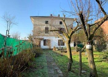 Foto 1 di Casa indipendente via Dora Baltea, Vestignè