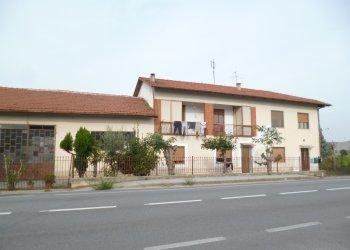 Foto 1 di Quadrilocale Via Saluzzo, 22, Revello