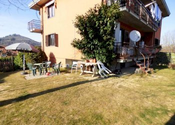 Appartamento con giardino in casa bifamiliare Frazione San Giovenale