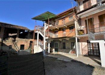 Foto 1 di Casa indipendente via Belvedere 5, Baldissero Canavese
