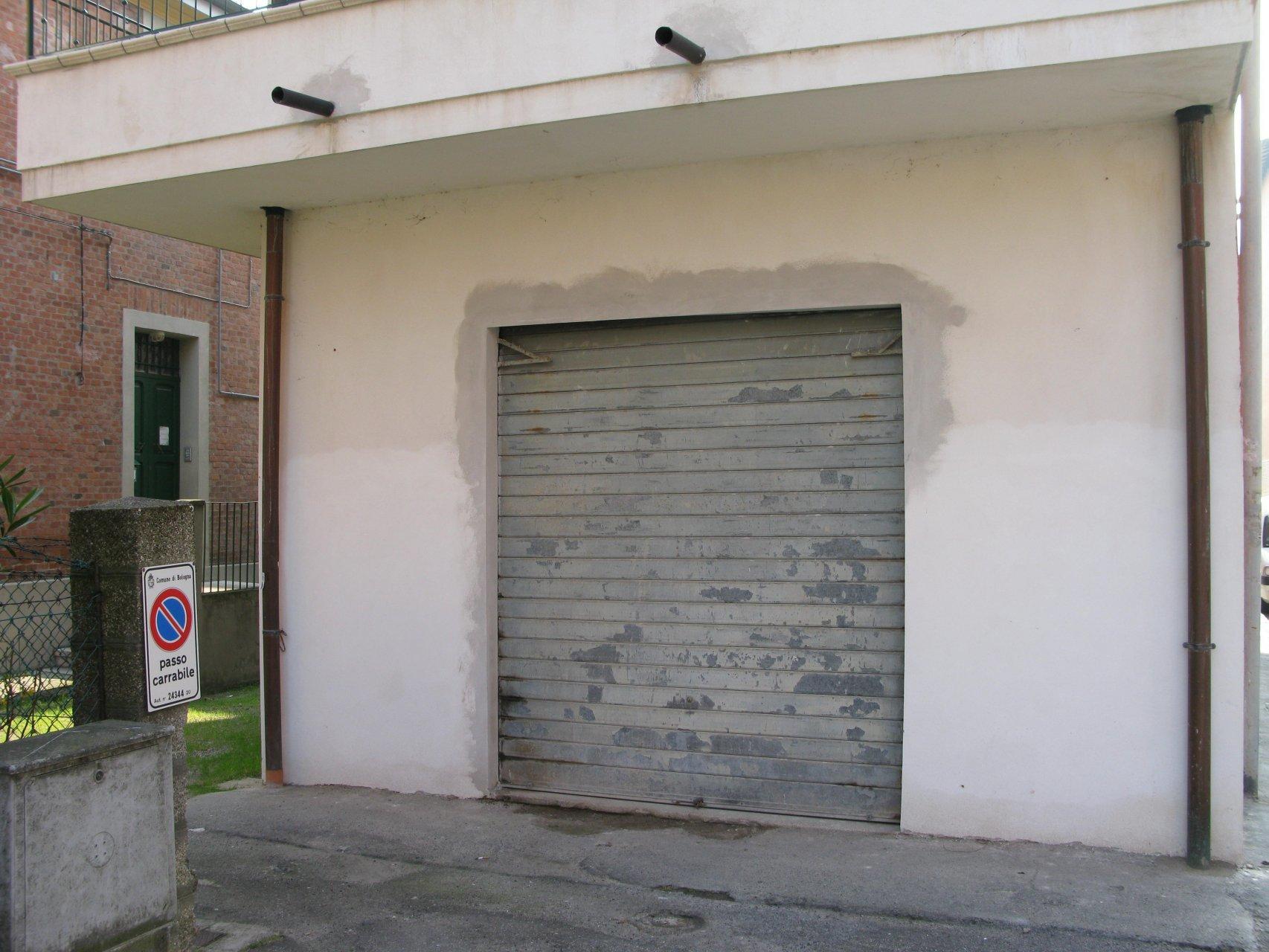 Foto 1 di Garage / Parcheggio Via Liguria, Bologna