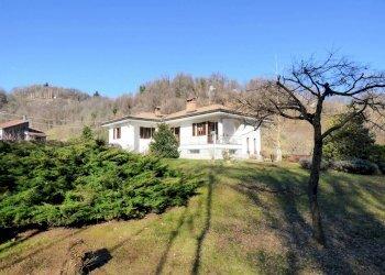 Boves, importante villa indipendente con ampio terreno via Santa Brigida 6