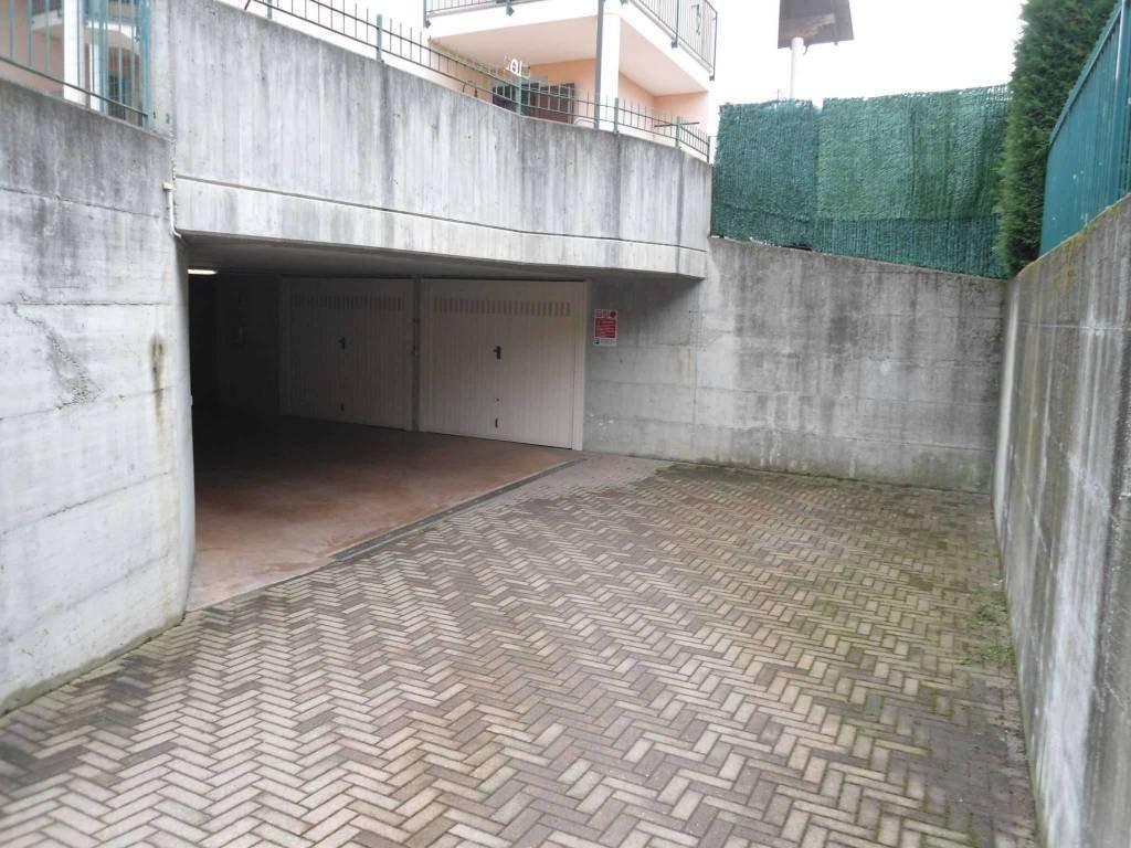 Foto 1 di Box / Garage via Pasta, Buttigliera D'asti