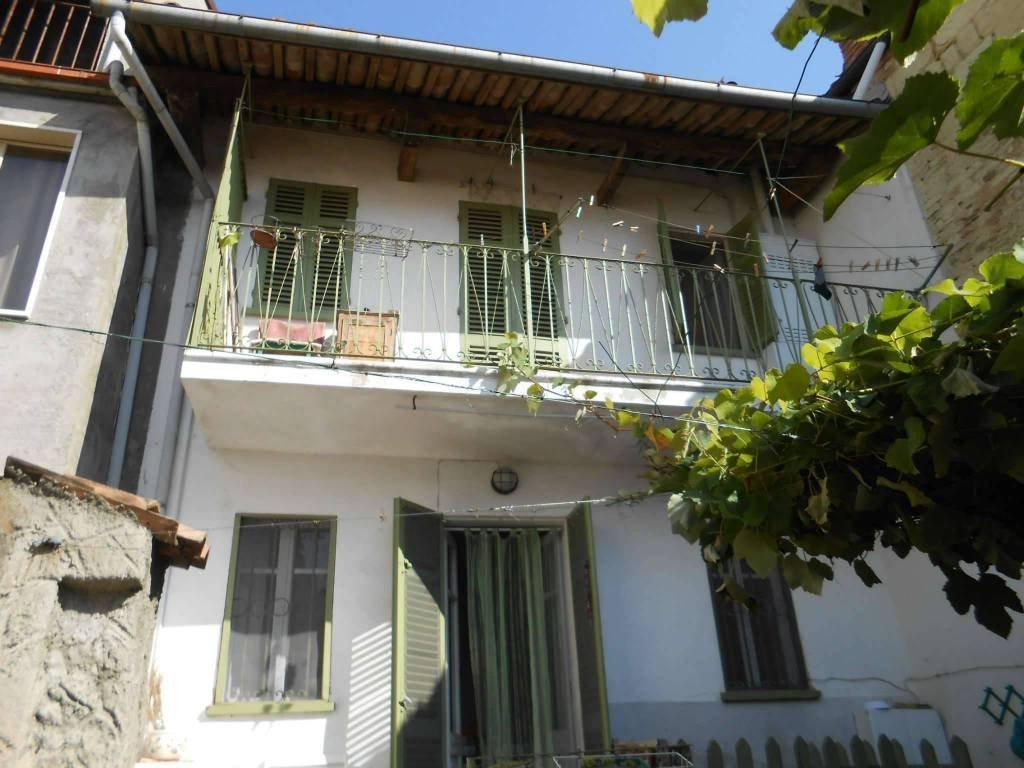 Foto 1 di Casa indipendente Via Roma, 16, Casorzo