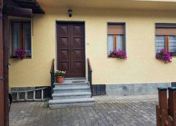 Foto 1 di Casa indipendente via Maestra, 44, Passerano Marmorito