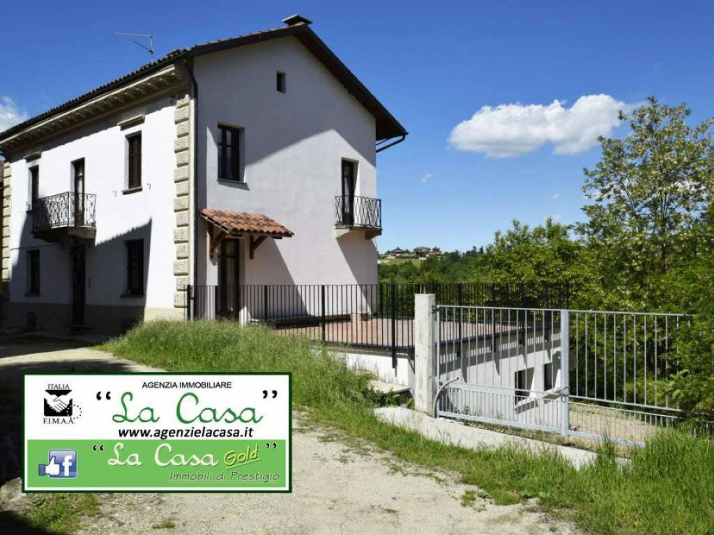 Foto 1 di Casa indipendente via Papa Giovanni, Ferrere