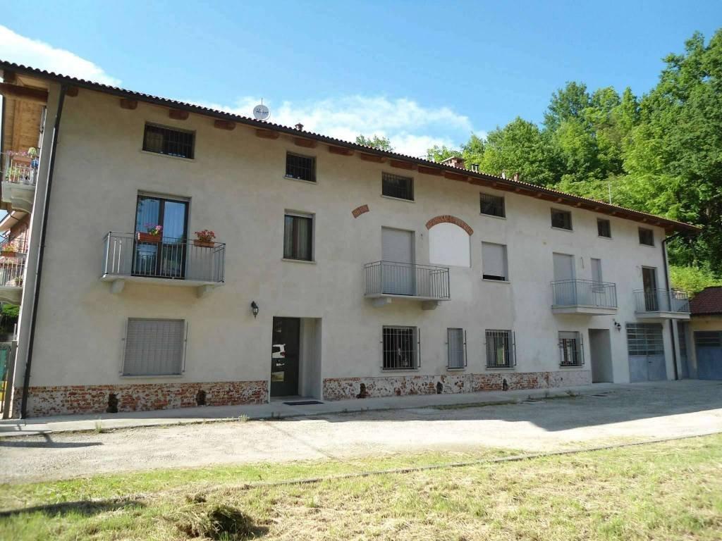 Foto 1 di Trilocale via Aosta, Ferrere