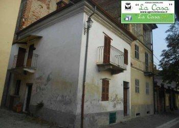 Foto 1 di Casa indipendente via al Castello, Passerano Marmorito