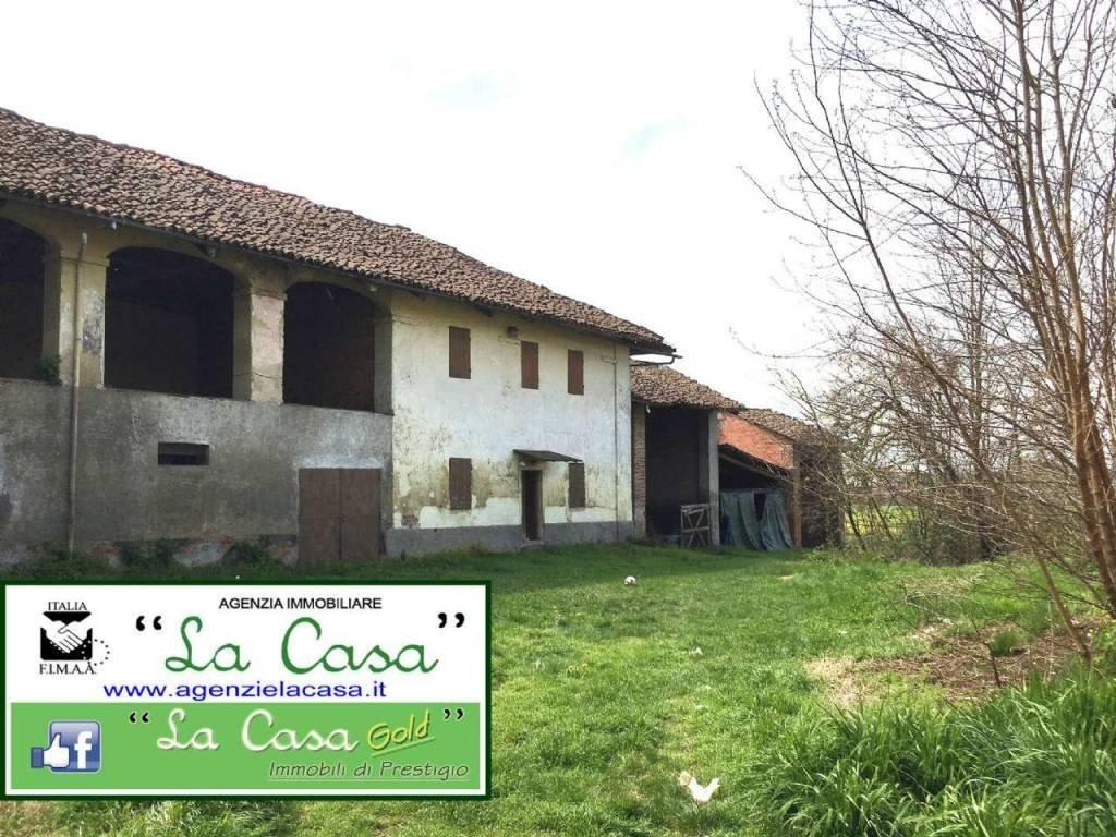 Foto 1 di Rustico / Casale piazza Cavour, Isolabella