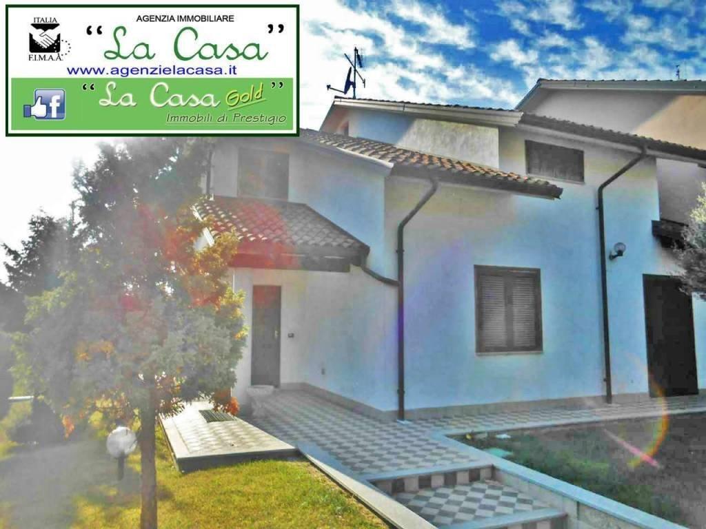 Foto 1 di Villa via Maresco 80, Montechiaro D'asti