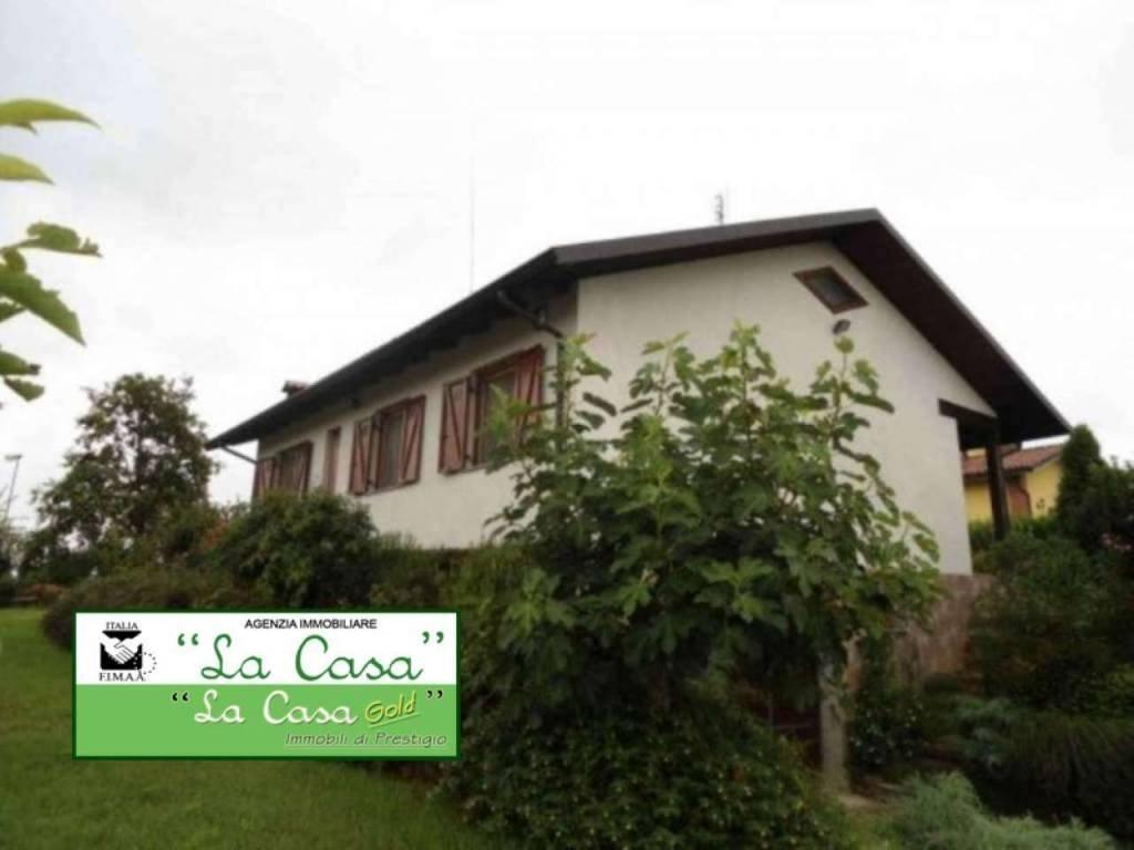 Foto 1 di Casa indipendente strada Provinciale 69, Cellarengo