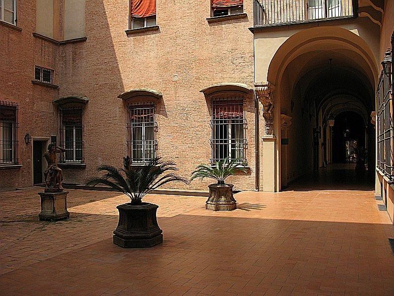 Foto 3 di Ufficio GALLERIA CAVOUR, Bologna