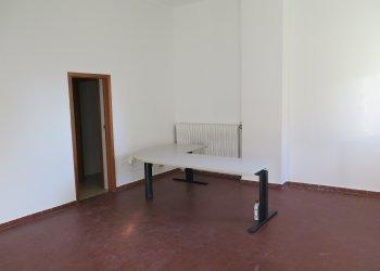 Foto 1 di Ufficio VIA PINARDI, Bologna