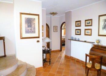 Foto 1 di Appartamento Via della Croce, 53, Saluzzo