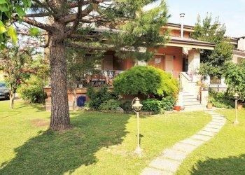 BORGO SD, villa su tre lati in perfetto stato via Vecchia di Cuneo 12B