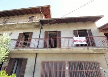 CASA IN CENTRO PAESE, DA RISTRUTTURARE via Giraudo