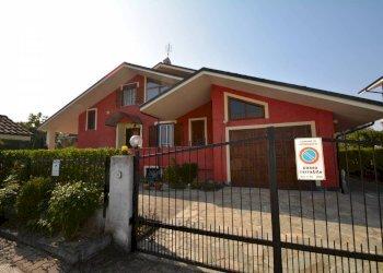 Foto 1 di Villa viale Po, Lombriasco