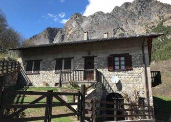 Foto 1 di Rustico / Casale Via Francia, frazione Pontebernardo, Pietraporzio