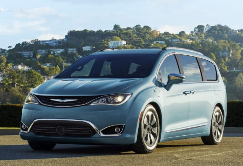 Shop the Chrysler Pacifica at Carman