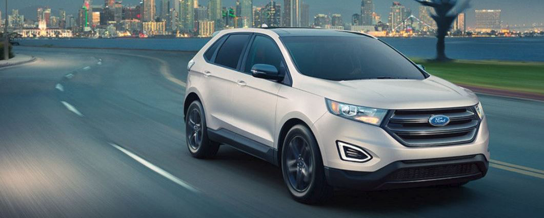 2018 White Ford Edge City Background