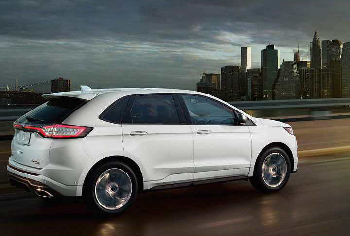 2018 White Ford Edge