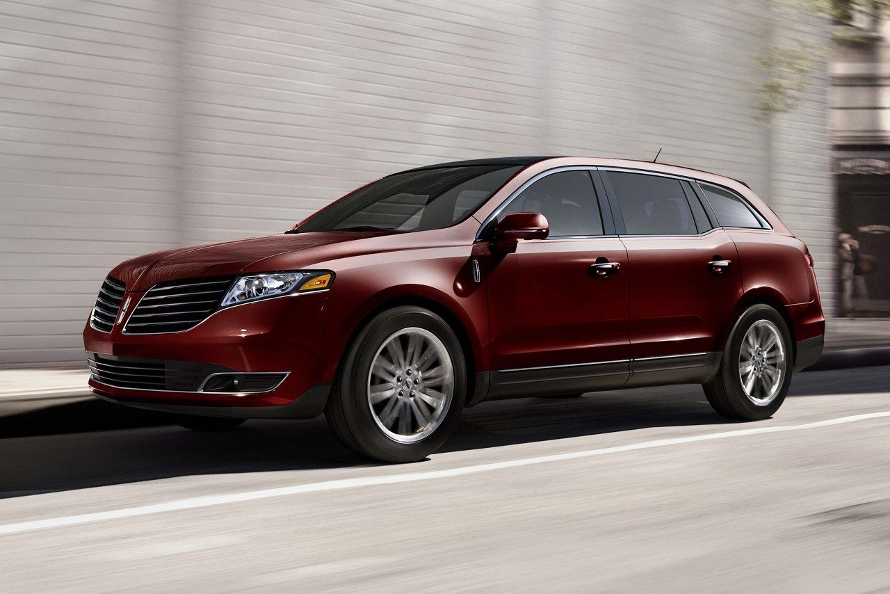 2018 Lincoln MKT red