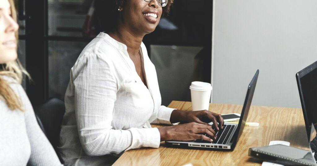 Como los contenidos de sitio web aumentarán sus ingresos