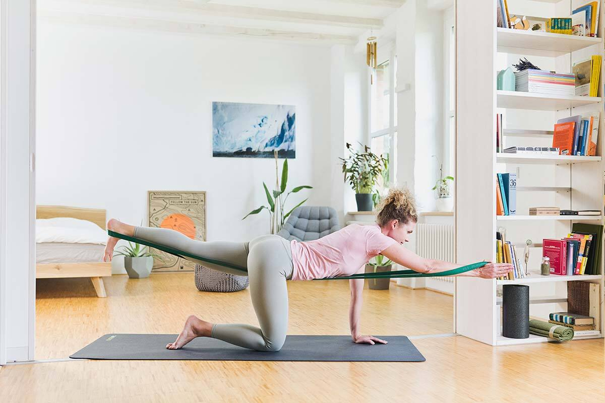 Rückenschmerzen - Übungen - BLACKROLL®