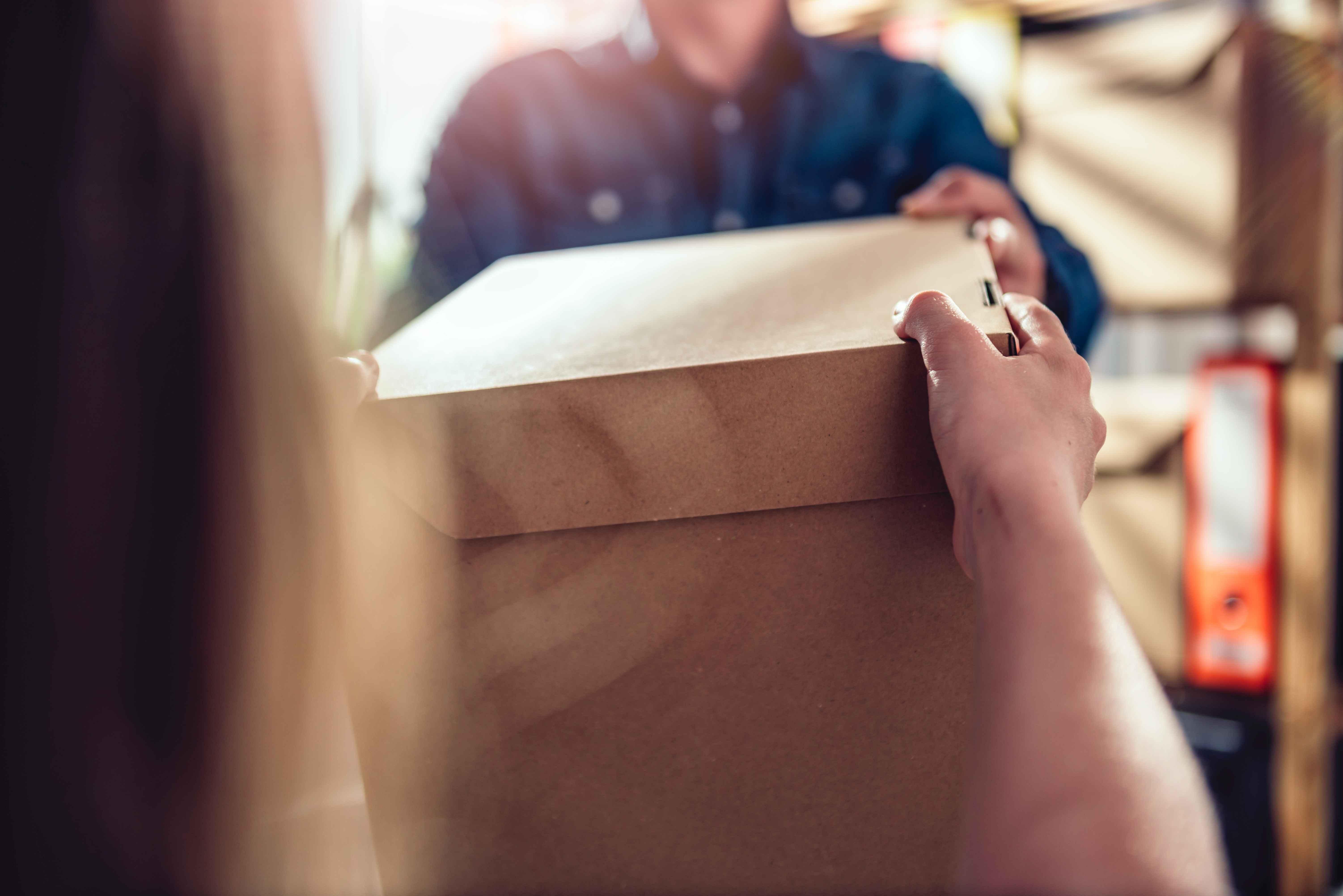 Zwroty w e-sklepach – sprawdź, co powinieneś o nich wiedzieć!