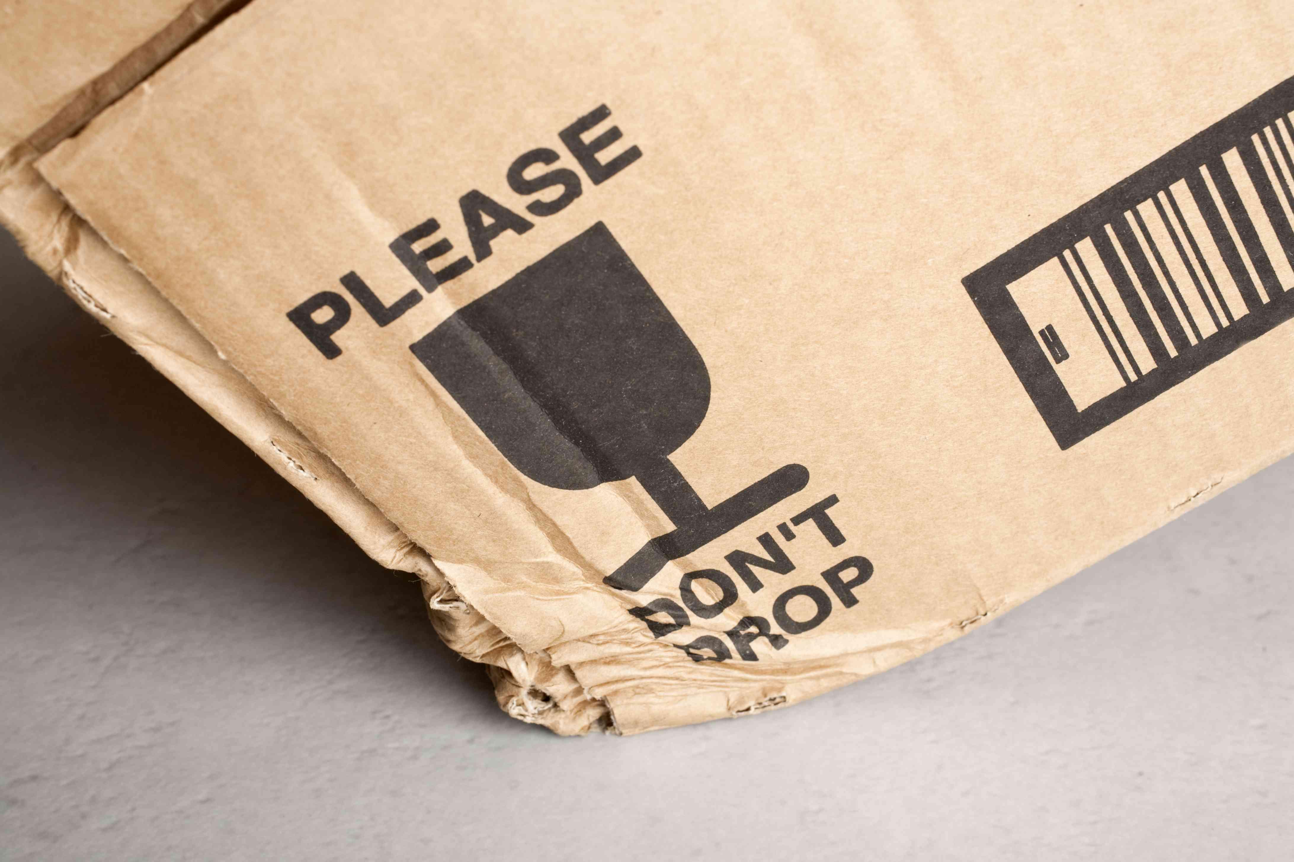 Dostałeś uszkodzoną przesyłkę? Sprawdź, co możesz zrobić w tej sytuacji